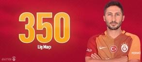 Sabri Sarıoğlu 350. lig maçına çıktı