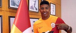 """Patrick van Aanholt: """"Galatasaray taraftarının önünde oynamak için sabırsızlanıyorum"""""""