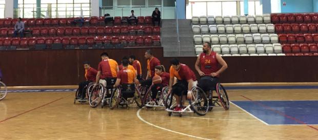 İzmir Büyükşehir Belediye 72 – 53 Galatasaray