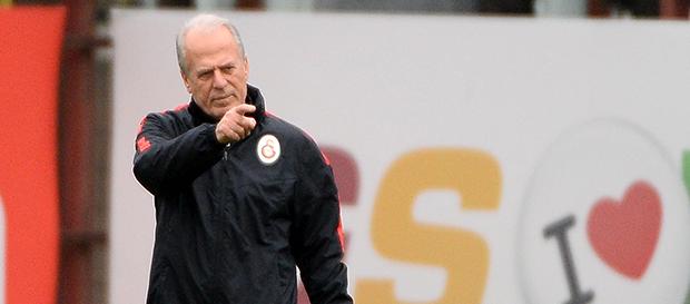 Mustafa Denizli'den UEFA Avrupa Ligi Yorumu