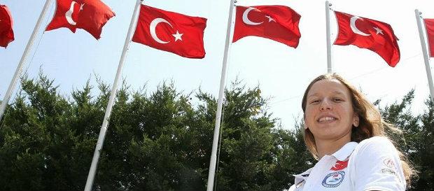 Nida Eliz Üstündağ'dan yeni Türkiye rekoru