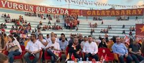 Şampiyonluk coşkusu Arnavutköy'de yaşandı