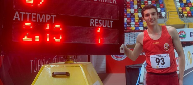 Ali Eren Ünlü'den yüksek atlamada U18 rekoru