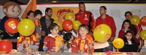 Türk Telekom Arena'da Miniklerin Günü Coşkuyla Kutlandı