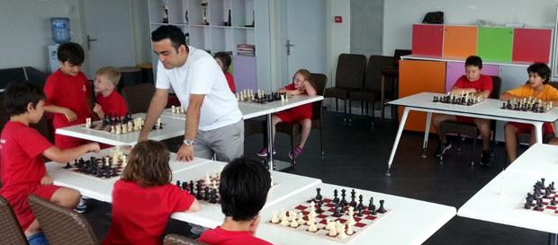 Duyuru   Galatasaray Satranç Okulu isim hakkı