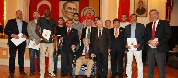 Galatasaray Lisesi'nde Pilav Günü Yapıldı