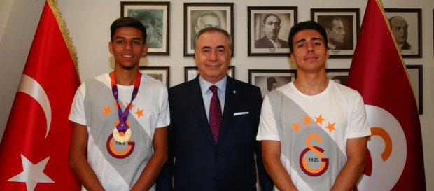 Başkanımız ve altın madalya kazanan sporcularımız bir araya geldi