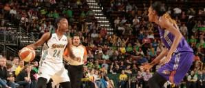 Jewell Loyd WNBA'de Ayın Çaylağı Seçildi