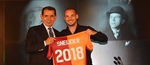 Wesley Sneijder İçin İmza Töreni Düzenlendi