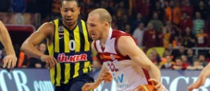 Maça Doğru: Fenerbahçe Ülker - Galatasaray Liv Hospital