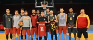 Lukas Podolski Yenilmez Armada ile Birlikte