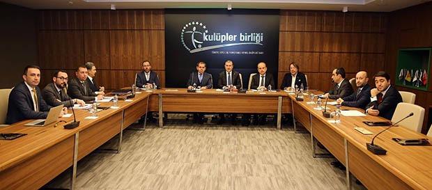 Bakan Osman Aşkın Bak'tan Kulüpler Birliği Vakfı'na ziyaret