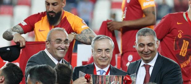 """""""Madalyayı Galatasaray taraftarı adına aldım"""""""