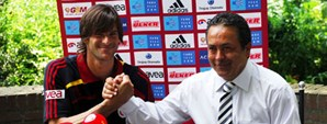 Leo Franco Sözleşme İmzaladı