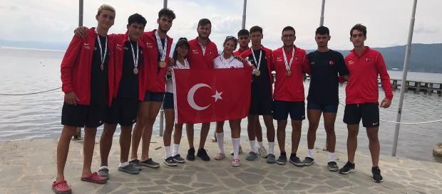 6 milli kürekçimizden Balkan Şampiyonası'nda altın madalya