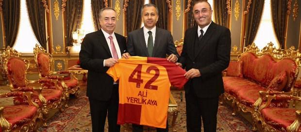 Başkanımız Mustafa Cengiz'den İstanbul Valisi Ali Yerlikaya'ya ziyaret