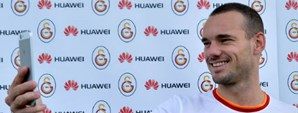 Huawei'den Futbol Takımımıza Akıllı Telefon