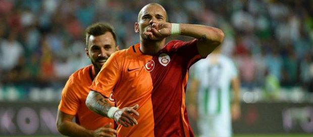 Wesley Sneijder'in Sözleşmesi Uzatıldı