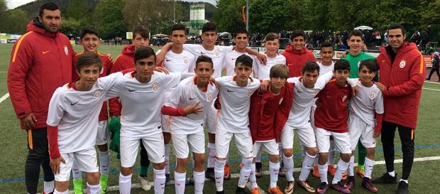 U14 Takımımız Almanya'da ikinci oldu