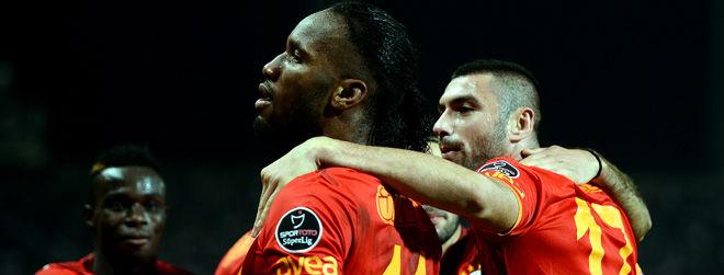 Maça Doğru: Akhisar Belediye - Galatasaray