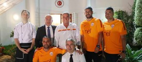 Futbol takımımızdan Tunus Büyükelçiliği'ne ziyaret