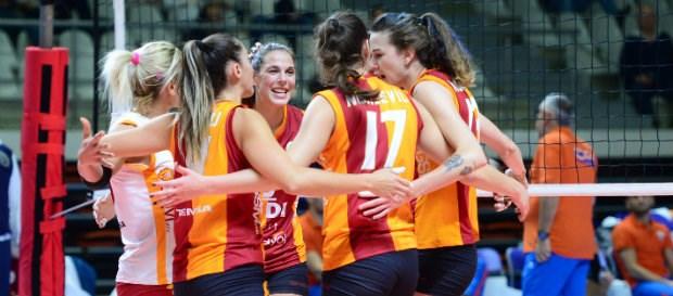 Maça doğru   Yenisei Krasnoyarsk - Galatasaray HDI Sigorta