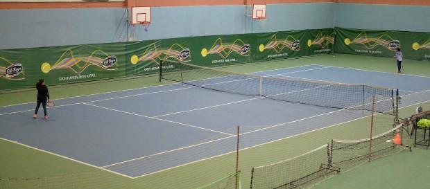 8-9-10 Yaş Kış Kupası Tenis Turnuvası başladı