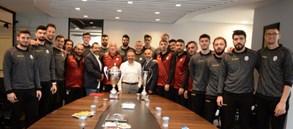 Şampiyon Takımımızdan HDI Sigorta'ya kupalı ziyaret