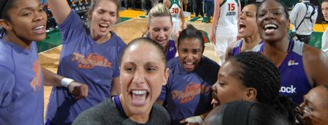 WNBA'de Playoff Konferans Finalleri Başladı
