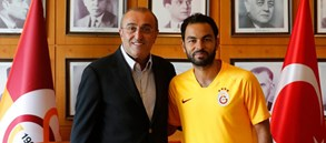 """""""Her zaman asıl olan Galatasaray'dır"""""""