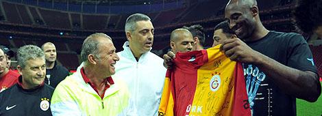 Kobe Bryant Türk Telekom Arena'daydı