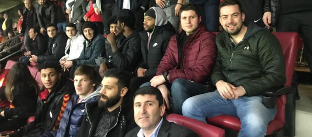 Galatasaray Doğa Sigorta futbol takımını yalnız bırakmadı