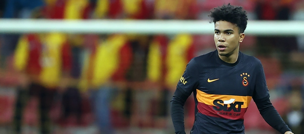 Gustavo Assunçao ilk maçında nasıl oynadı?