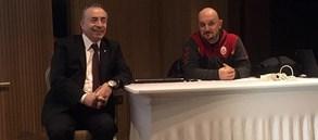 Başkan Mustafa Cengiz'den bayan takımımıza ziyaret