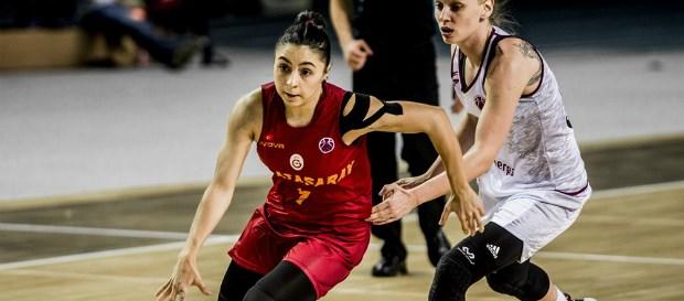 Maça doğru | Galatasaray - İstanbul Üniversitesi