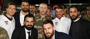 Galatasaray'dan Mehmetçik'e moral