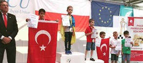 Doruk Emir'den Avrupa Okullar İkinciliği