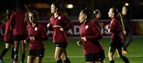 Kadın Futbol Takımımız, Florya Metin Oktay Tesisleri'ndeki ilk idmanını gerçekleştirdi