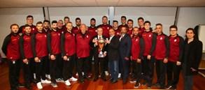 Şampiyon Takımımız Başkanımız Mustafa Cengiz'i ziyaret etti