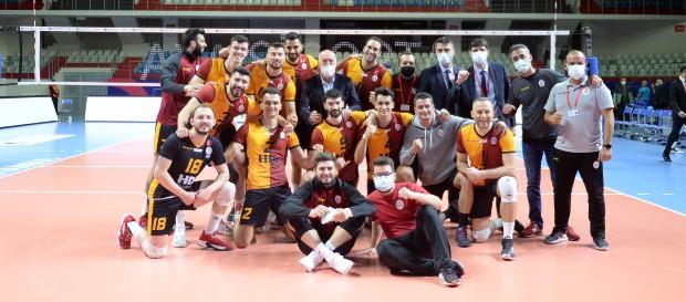 Galatasaray HDI Sigorta 3-2 Halkbank