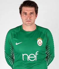 16 - Cedric Carrasso